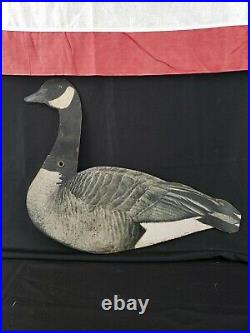 Amazing Vintage Dupe-a-goose Hunting Kit 12 Goose Decoys In Original Crate Duck