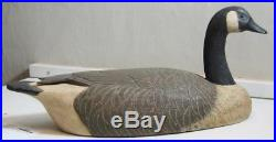 Full Size Canada Goose Decoy By Danny Wiggle Of Ontario