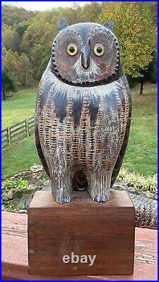 Handsome Detailed Vintage Folk Art Wood Owl Decoy Nicely Carved and Painted