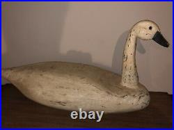 Vintage Carved Wood White Swan Duck Decoy Unknown Maker And Origin
